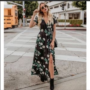 Vici maxi dress medium new